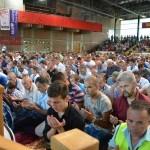 Molitve se je udeležilo veliko število mladih