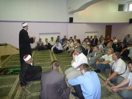 peto-muftijevo-predramaznsko-srecanje-s-clani-islamske-skupnosti-1