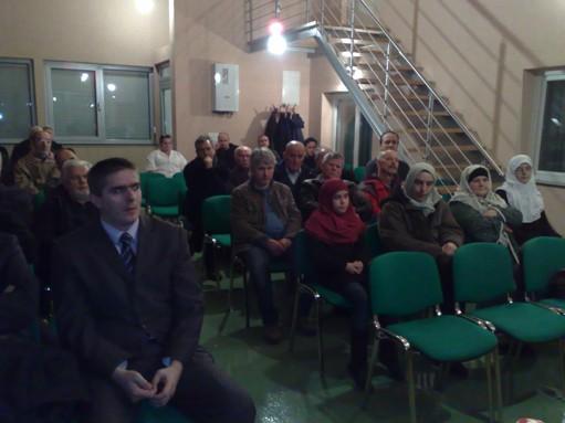 tribuna_poslanik1