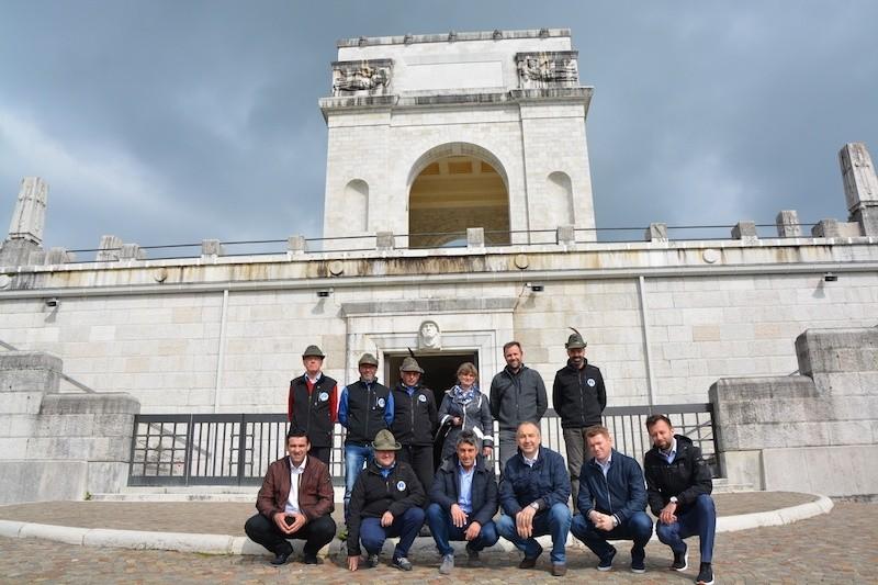 Delegacija Islamske skupnosti po poteh herojev prve