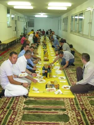 mladinski-iftar-v-kopru2